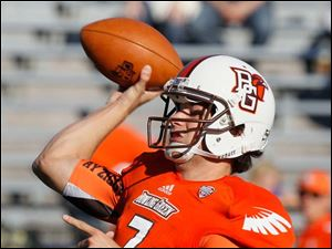 BGSU quarterback Matt Schilz throws downfield during the second quarter.