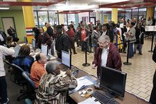 Voters-wait-to-be-checked-in-at-the-Lucas-Cou