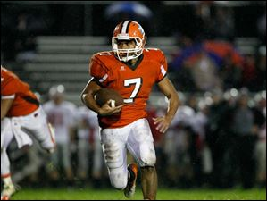 Southview's Ahmad Parker attempts to gain a few yards for the Cougars in the second quarter.
