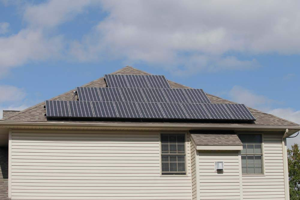 green-tour-solar-panels-Farley