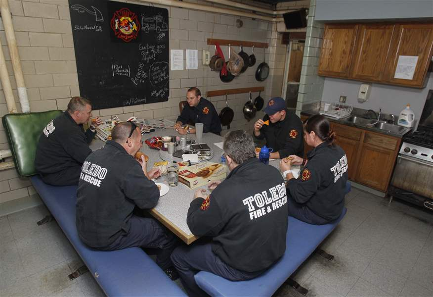 fire-station-6-lunch