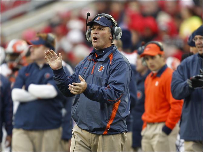 Tim Beckman, seen here last week at Wisconsin, is in his first year as Illinois head coach after spending the the previous three at Toledo.