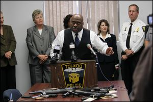 Chief Derrick Diggs, of the Toledo Police Department, discusses the arrest of 11 Beehive gang mem