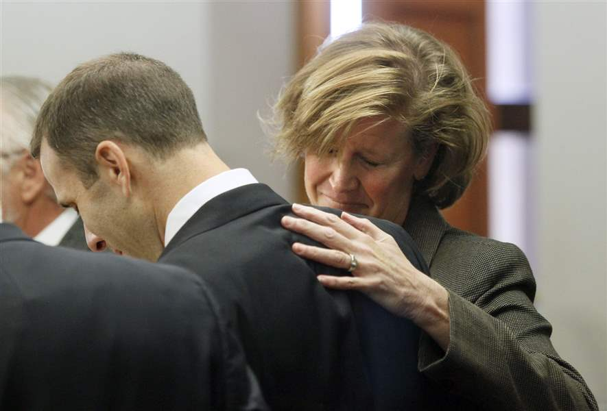 Tony-Packo-III-and-Cathleen-Dooley-freact-after-being-not-guilty