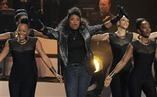Jennifer-Hudson-tribute-to-Whitney