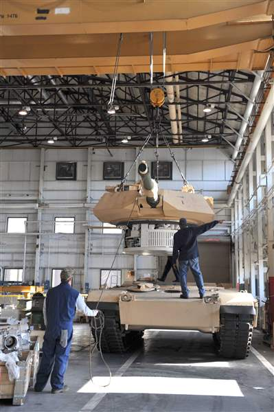 M1-tank-building-in-Lima