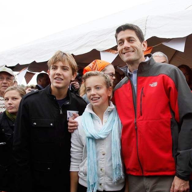 Paul-Ryan-BGSU-young-supporters