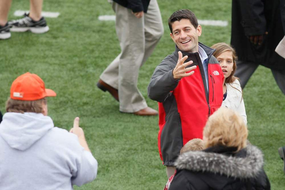 Paul-Ryan-BGSU-chatting