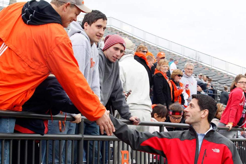 Paul-Ryan-BGSU-shaking-hands