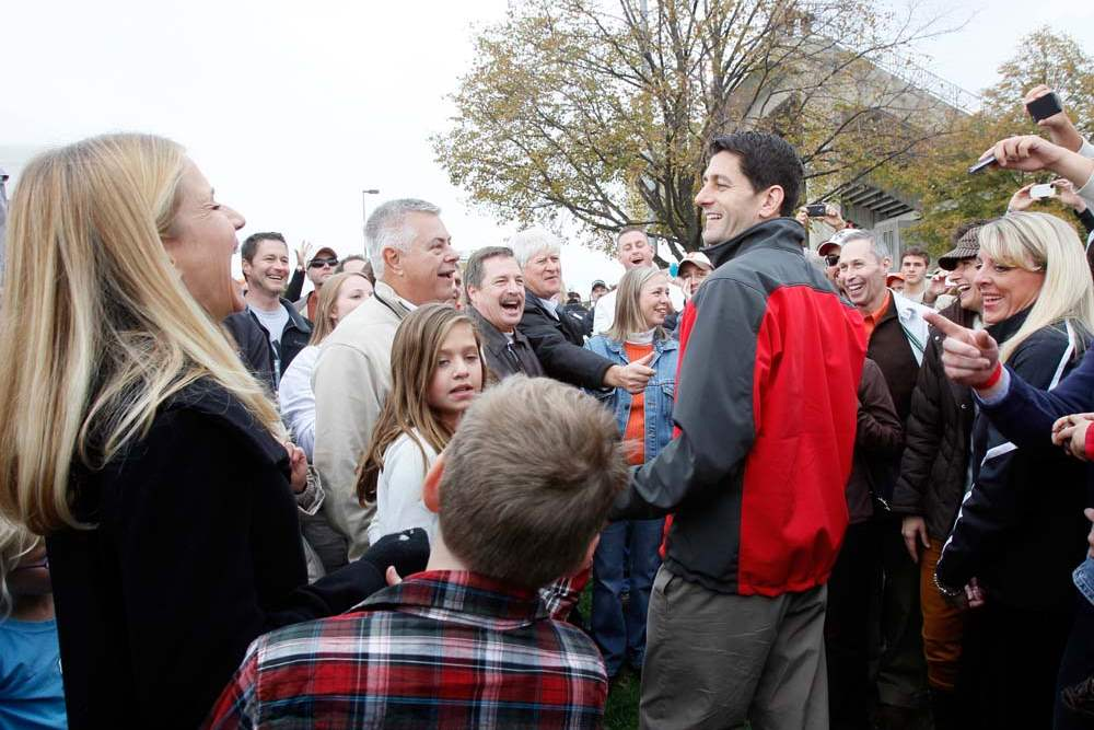 Paul-Ryan-BGSU-supporters