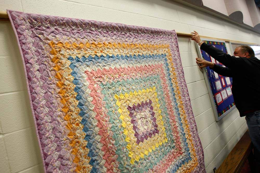 Sylvania-church-bazaar-quilt-hanging