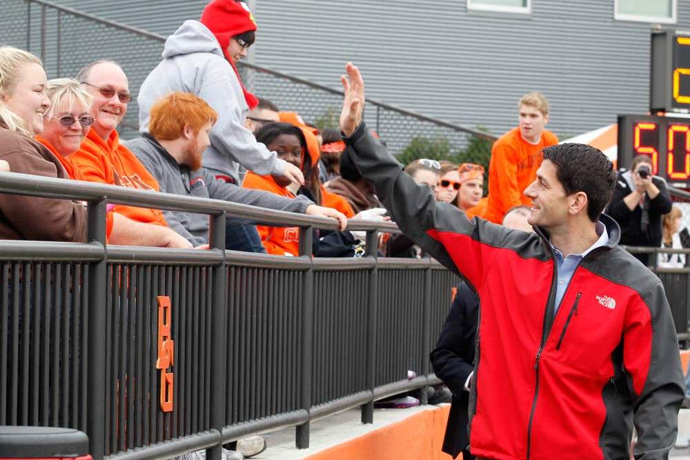 Paul-Ryan-at-BGSU-waving