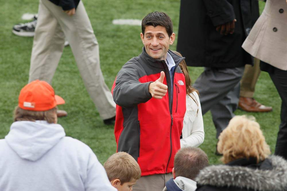 Paul-Ryan-BGSU-on-field