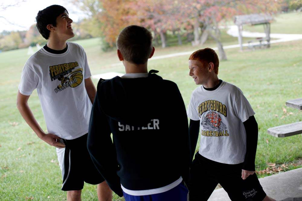 Perrysburg-run-with-jackets-laugh-and-stretch