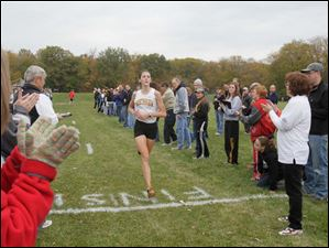 Sylvania Southview's Janelle Noe finished first in the girls' cross country race.