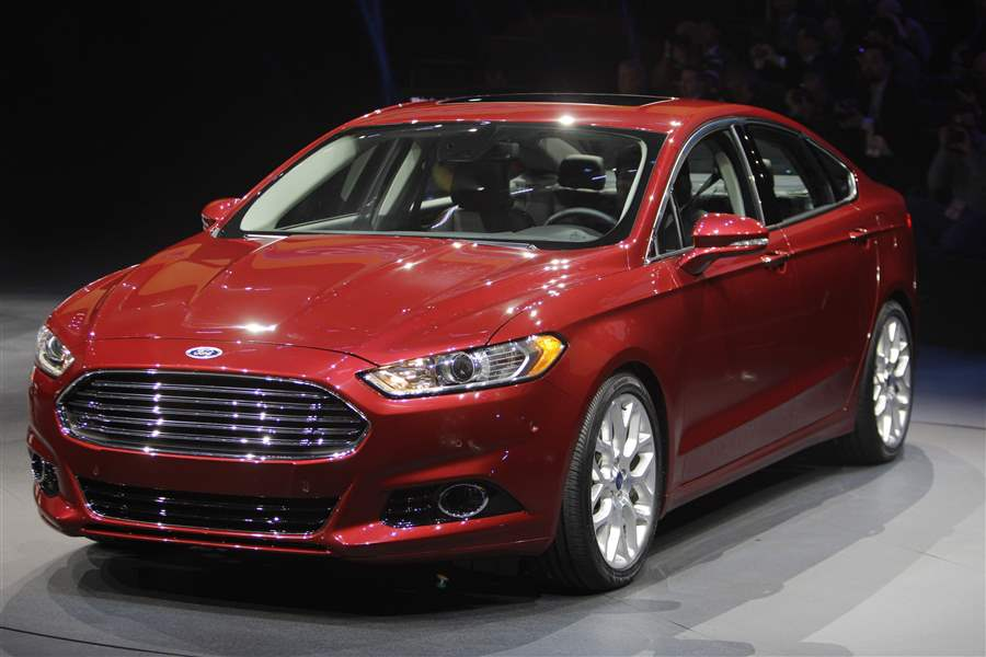 The-2013-Ford-Fusion-pictured