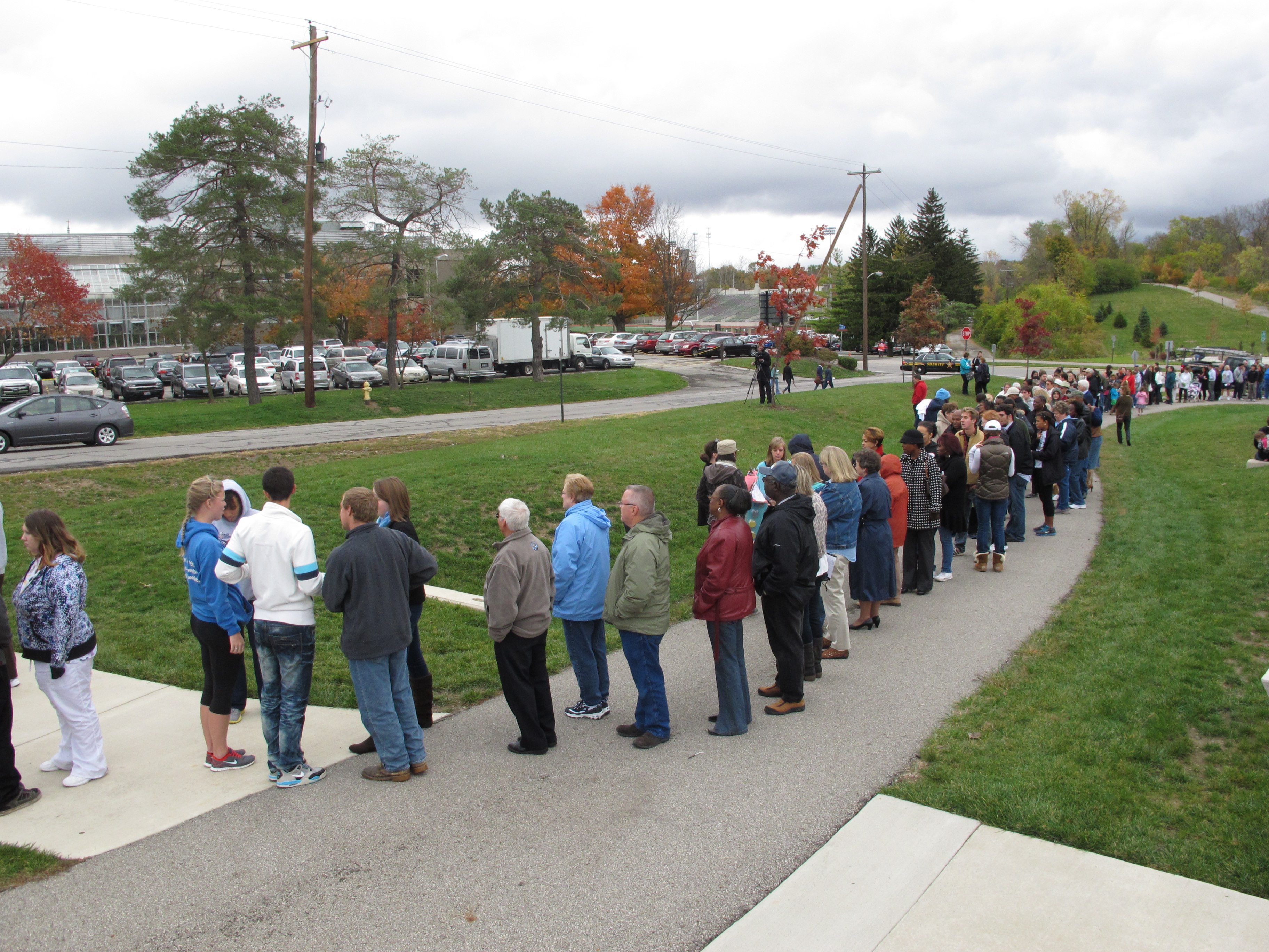 Michelle Obama pushes early voting in Ohio visit - The Blade