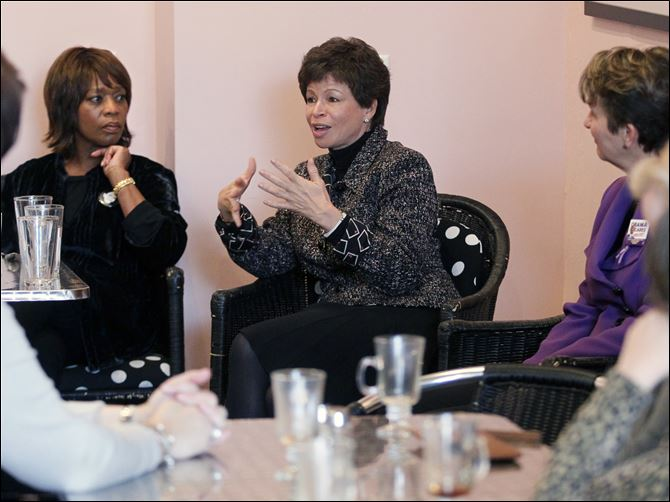 Actress Alfre Woodard, left, Democratic  Actress Alfre Woodard, left, Democratic Strategist Valerie Jarrett, center, and SEIU President Mary Kay Henry, right, lead a womenÕs roundtable at Petit Fours Bakery in Toledo on Friday.