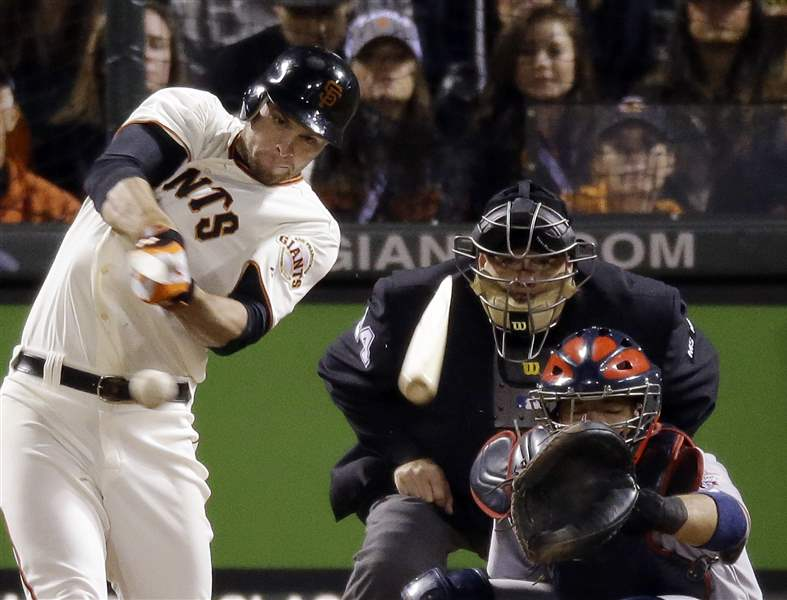 San-Francisco-Giants-Brandon-Belt-breaks-his-bat