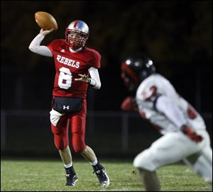 Bowsher junior quarterback Mac Jewell has completed 61 of 113 passes for 757 yards.
