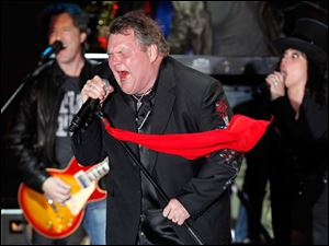 Rock star Meatloaf performs at a rally for Republican presidential candidate Mitt Romney.