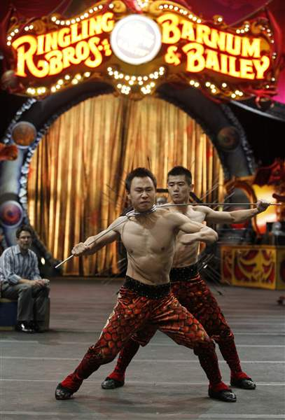 Chinese-circus-Sun-and-Qin