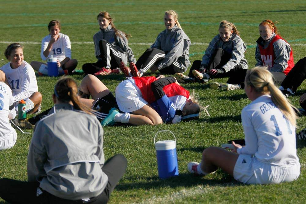 district-soccer-postgame-stretches