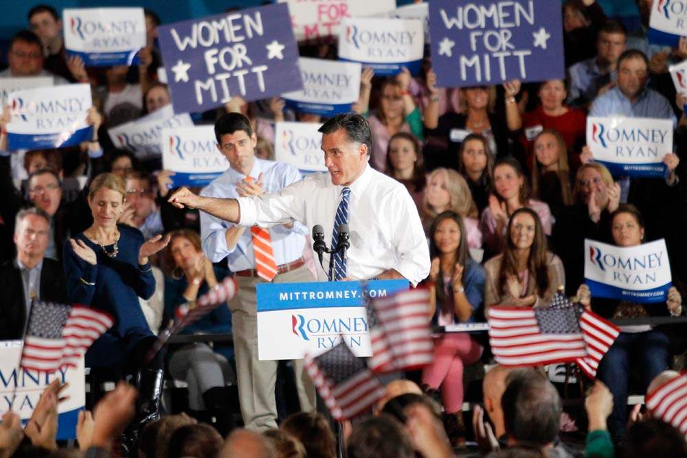 Republican-presidential-nominee-Mitt-Romney-speaks-to-the-crowd