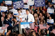 Republican-presidential-nominee-Mitt-Romney-speaks-to-the-crowd-1