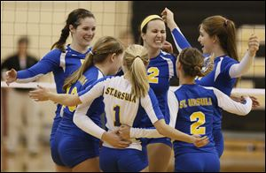 St. Ursula advanced with a Division I district volleyball championship Saturday in Perrysburg.