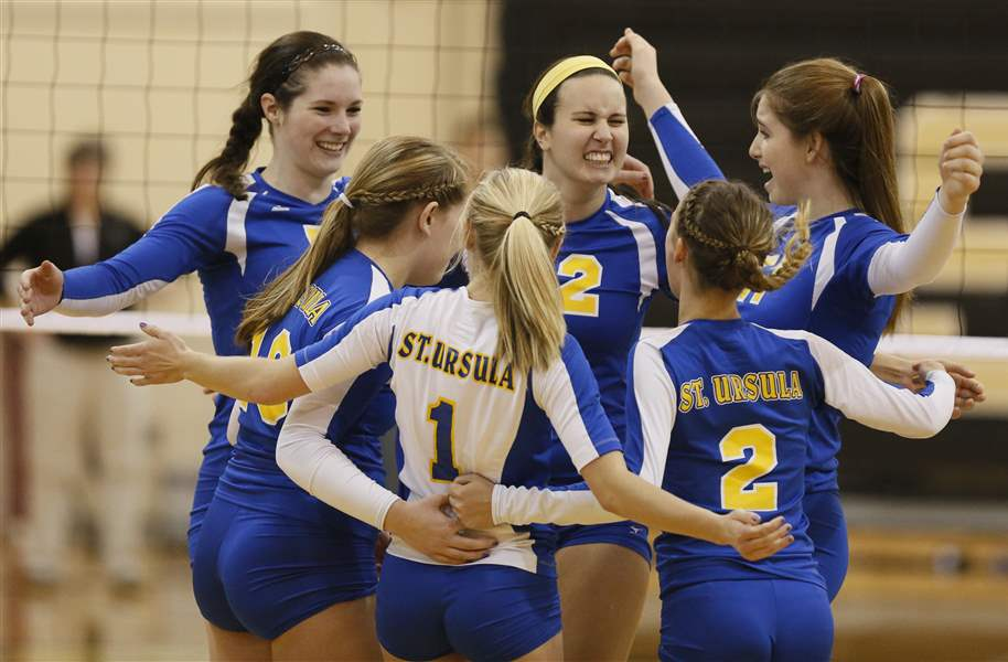 Volleyball-districts-St-Ursula