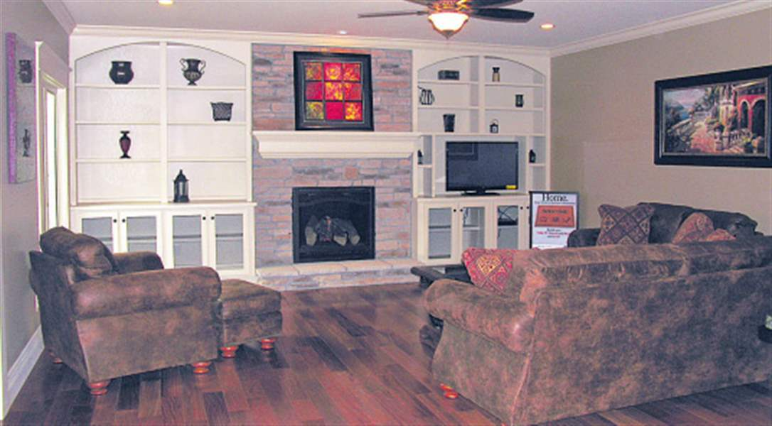Perrysburg-LIving-room