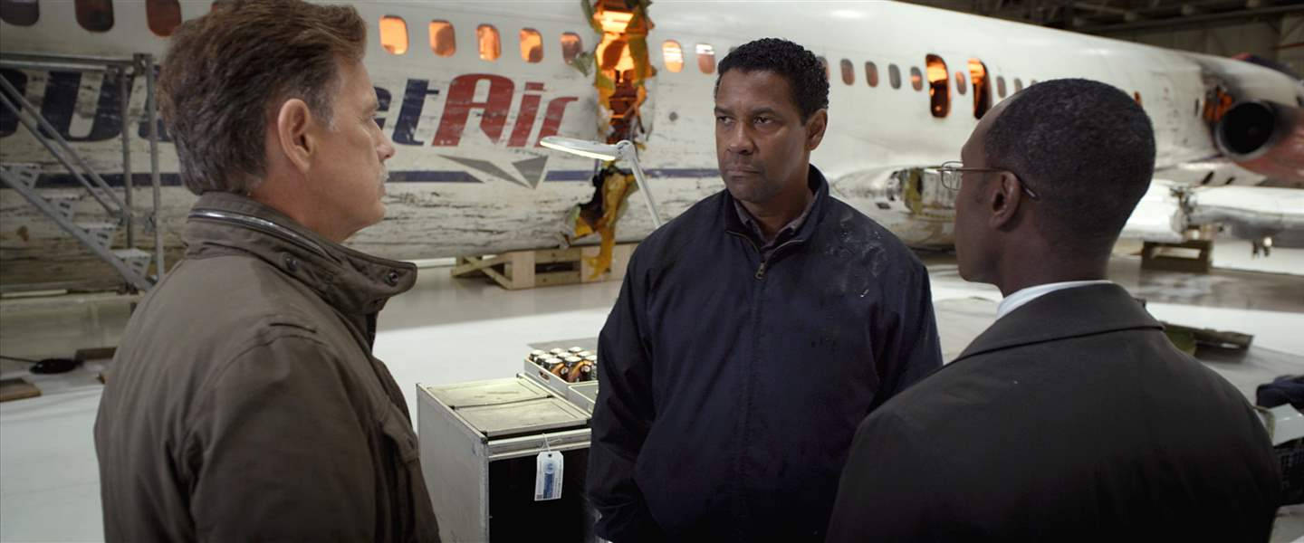Film-Review-Flight-Washington-Cheadle