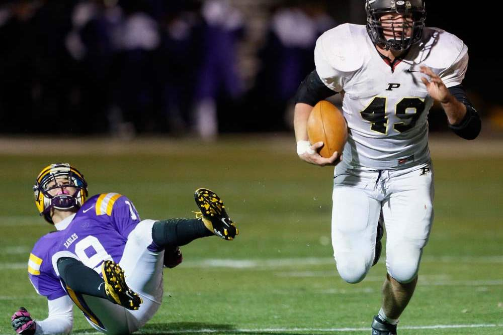 Perrysburg-RB-Mark-Delas-49-runs-the-ball