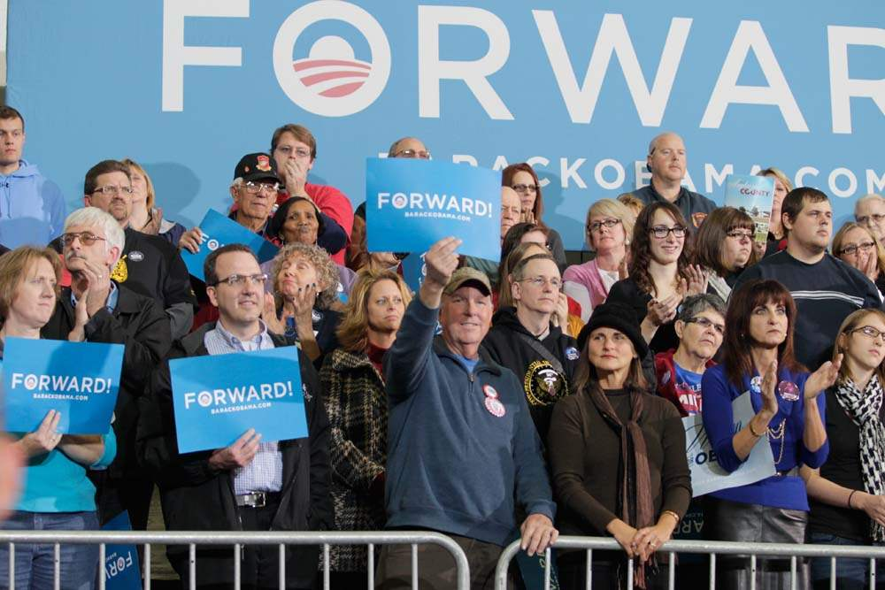 Supporters-wave-signs-in-support-of-President-Barack-Obama