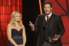 Country-Music-Awards-Shelton-Lambert
