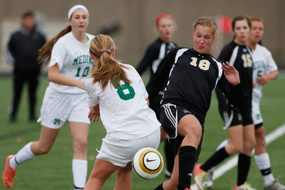 Perrysburg-regional-soccer-final-Brown-ball-movement