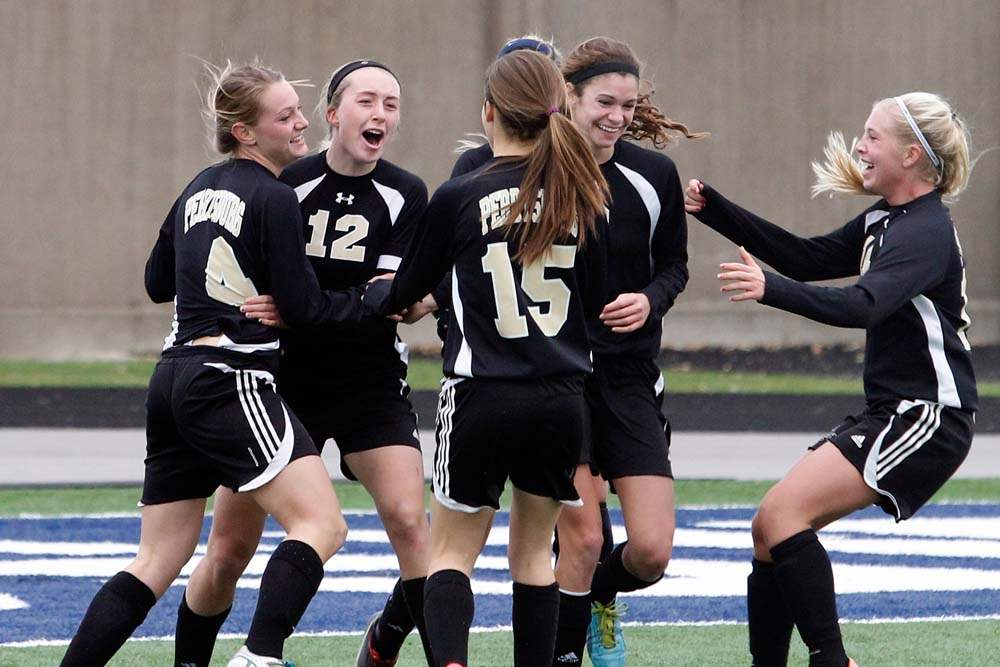 Perrysburg-regional-soccer-final-score-celebration