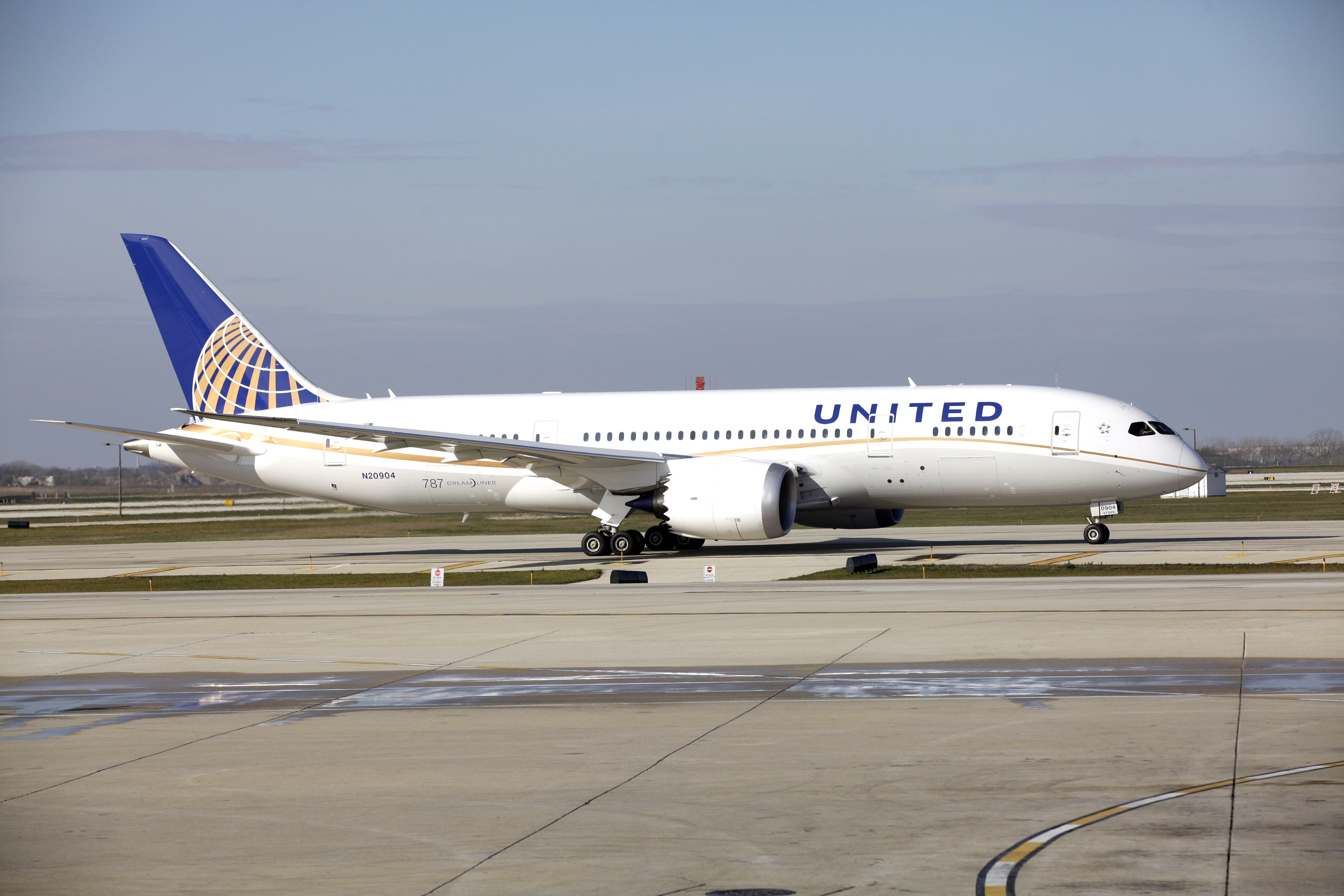 United Begins 787 Dreamliner Era With Toasts Water
