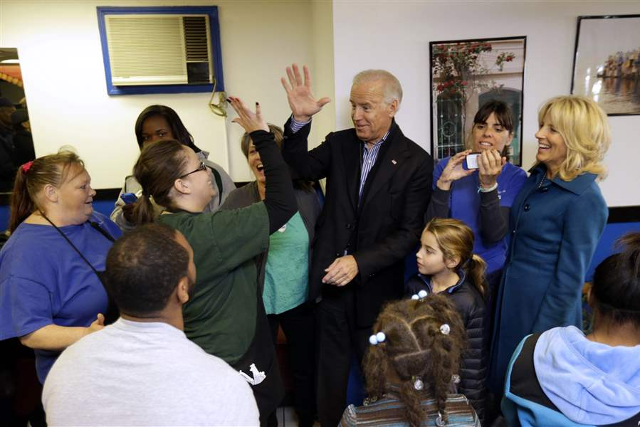Obama-2012-bIDENS-IN-CLEVELAND