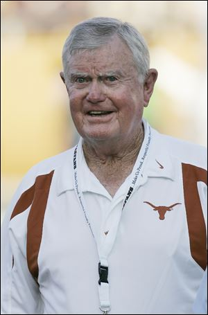 Former Texas coach Darrell Royal