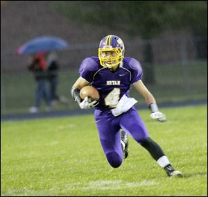 Bryan's Elijah Bogosian has 52 catches for 705 yards. The Golden Bears won the NWOAL championship.