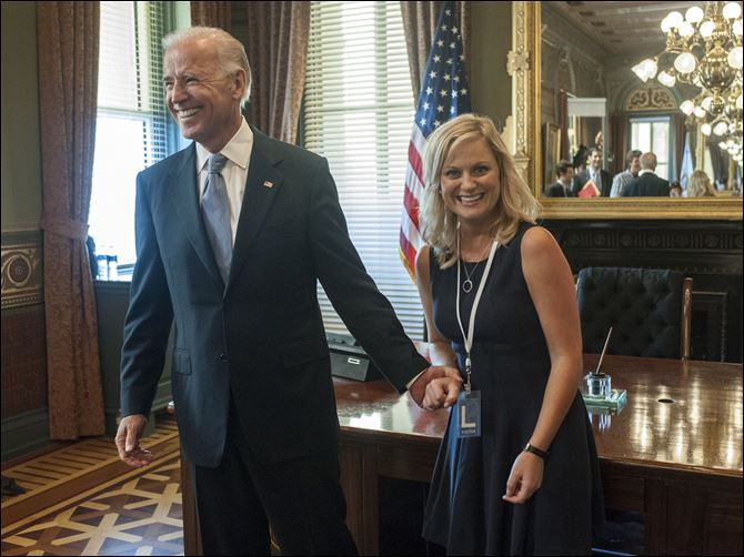 "Vice President Joe Biden with actress Amy Poeher, who plays Leslie Knope on the NBC comedy ""Parks and Recreation,"" in Washington. Biden will appear on the NBC sitcom ""Parks and Recreation"" on Nov. 15."