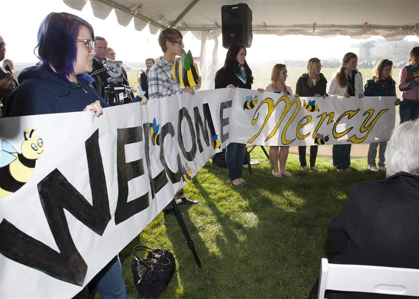 Perrysburg-student-welcome-Mercy