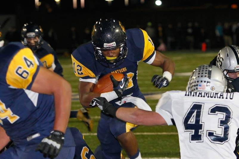 Whitmer-football-TD-run