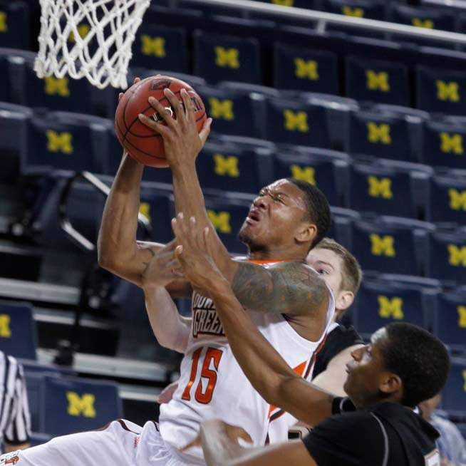 BGSU-IUPUI-Calhoun-drives-the-lane