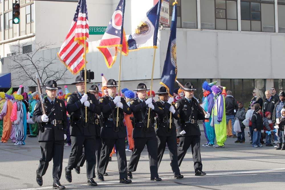 Holiday-Parade-honor-guard