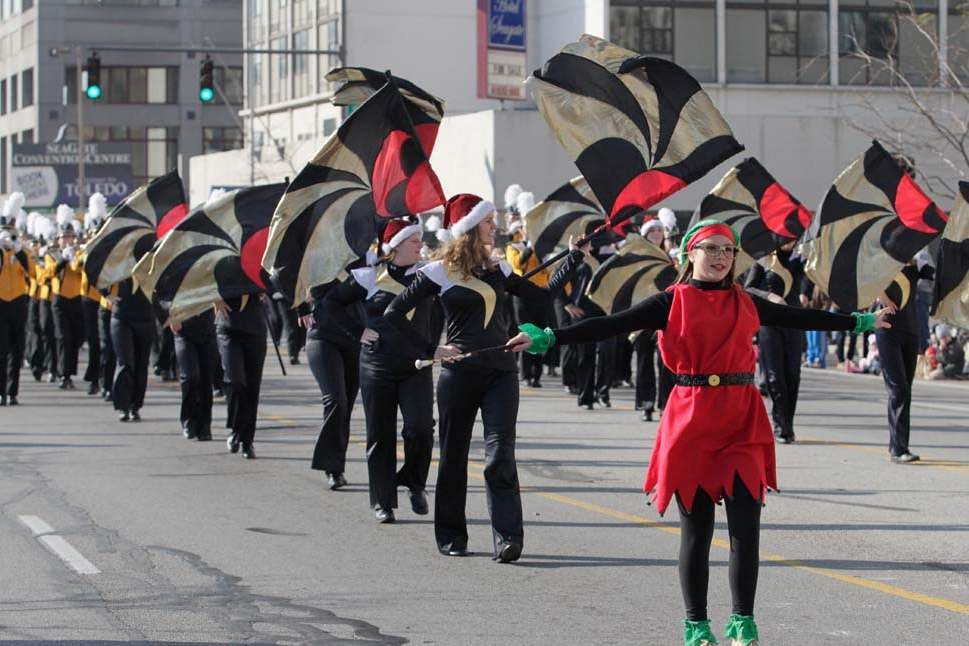 Holiday-Parade-northview