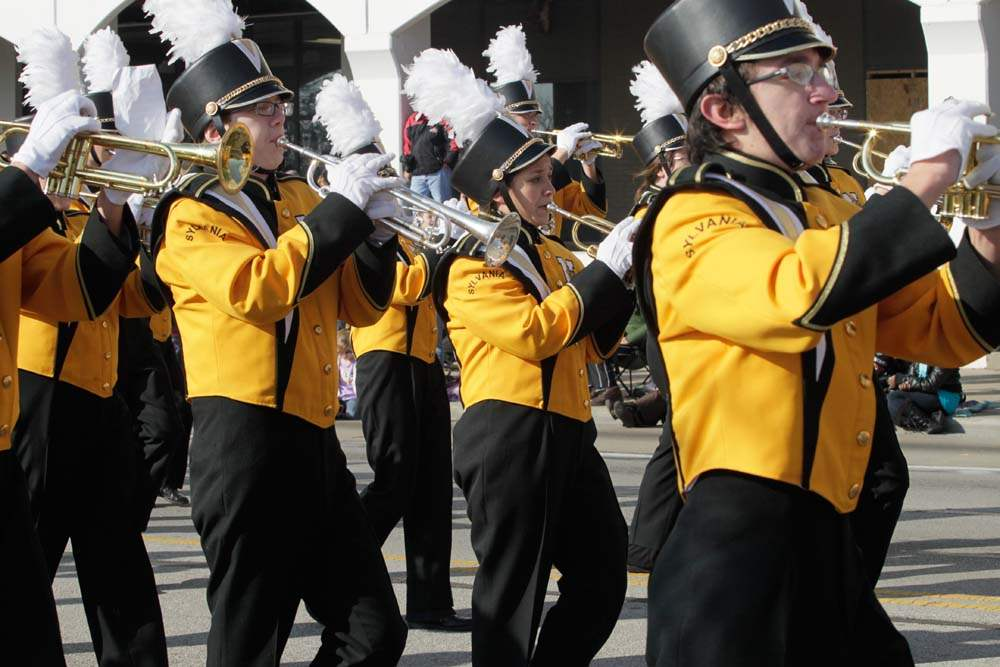 Holiday-Parade-Northview-band