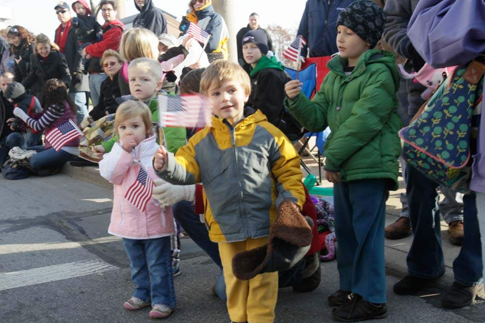 Holiday-Parade-Synder-children